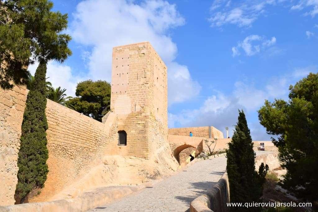 Viajar sola a Alicante, castillo de Santa Bárbara