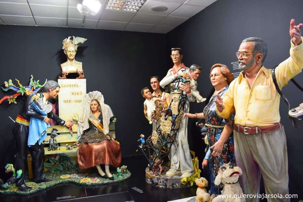 Viajar sola a Alicante, museo de las Hogueras